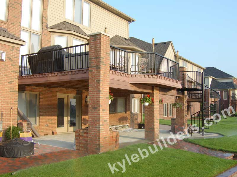 Kyle Builders Decks Michigan Decks With Brick Columns